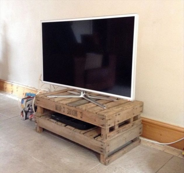 18 Fascinating Ideas To Make Original Pallet TV Stand For Free
