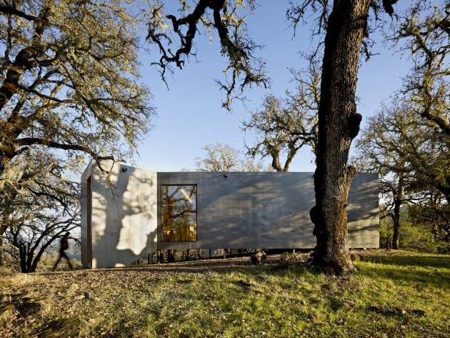 Moose Road by Mork Ulnes Architects in California, USA
