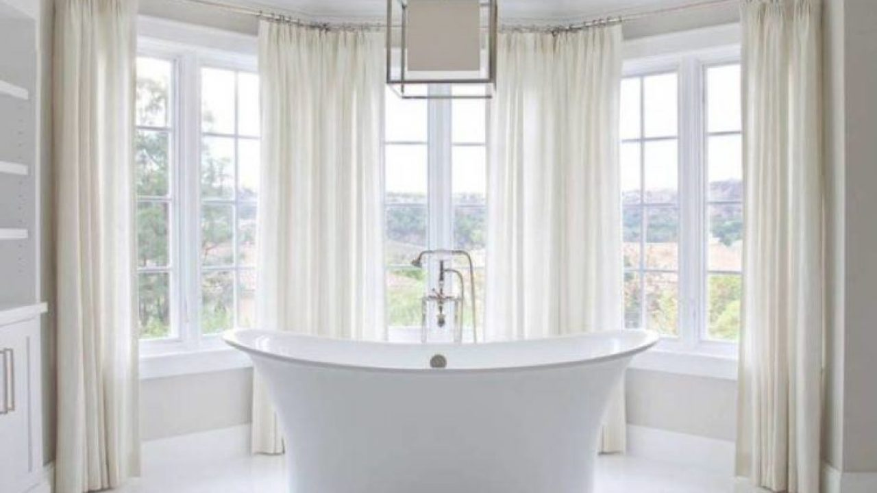 18 Inspirational Ideas For Choosing Properly Bathroom Window Curtains
