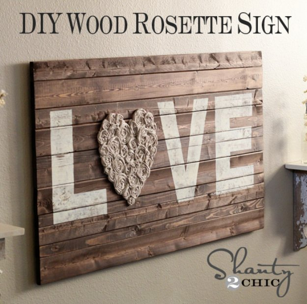 15 Creative DIY Pallet Sign Ideas That Broadcast A Message