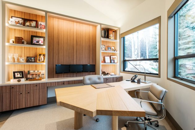 15 outstanding contemporary home office designs for your business. Black Bedroom Furniture Sets. Home Design Ideas