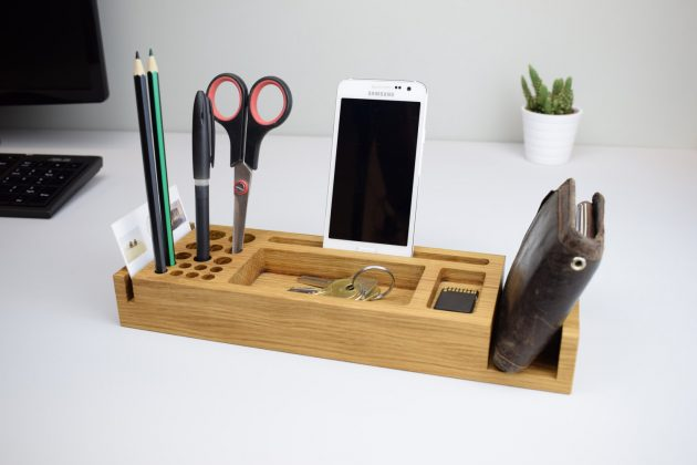 16 awesome handmade office organization gadgets you should see - White wood desk organizer ...