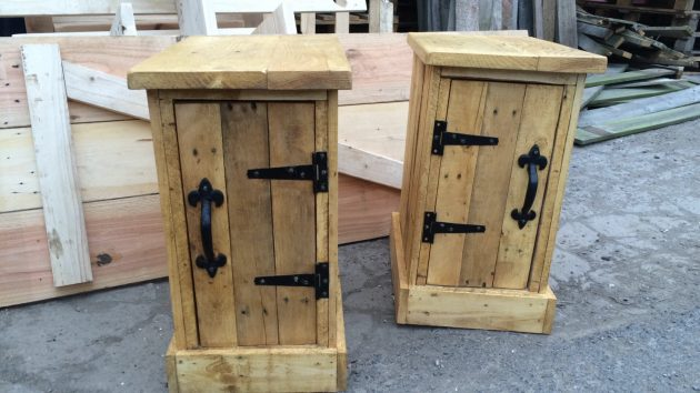 Crafty Handmade Pallet Wood Furniture Designs You Can DIY
