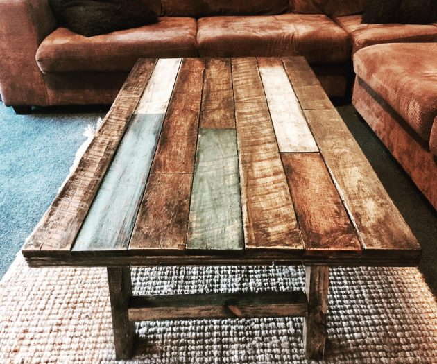 17 Crafty Handmade Pallet Wood Furniture Designs You Can Diy