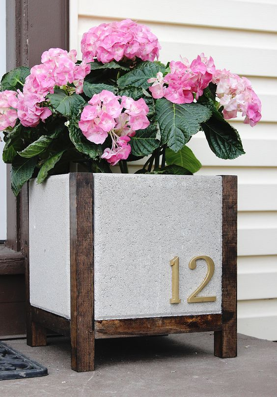 17 Captivating DIY Planters That You Can Do For Free