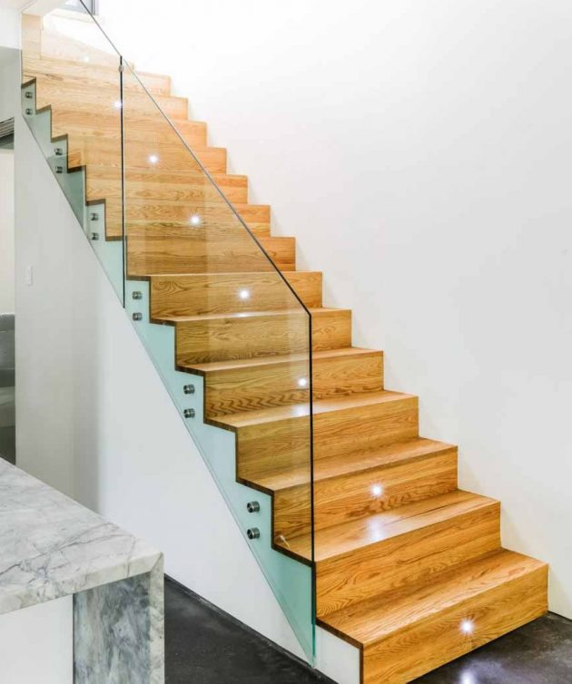 16 Elegant Traditional Staircase Designs That Will Amaze You: 10 Fascinating Wood & Glass Staircase Designs For Elegant Home
