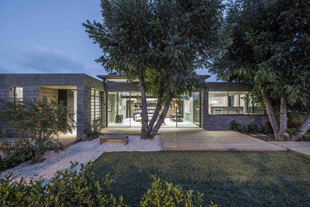 Bare House by Jacobs-Yaniv Architects in Herzliya, Israel