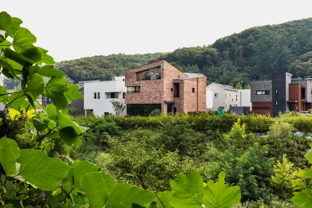 L House by aandd in Pangyo, South Korea