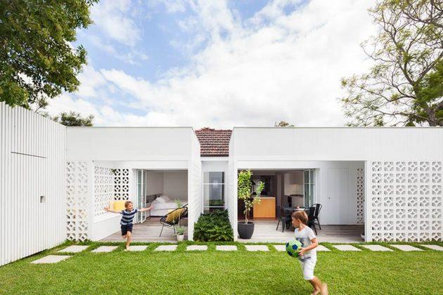 Breeze Block House by Architect Prineas in Sydney, Australia