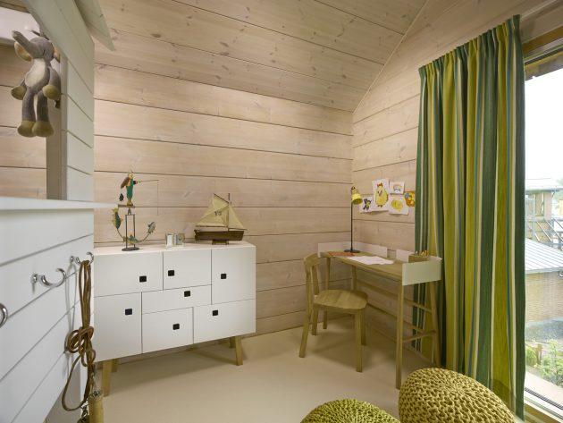 House Savukvartsi by Honkarakenne in Vantaa, Finland