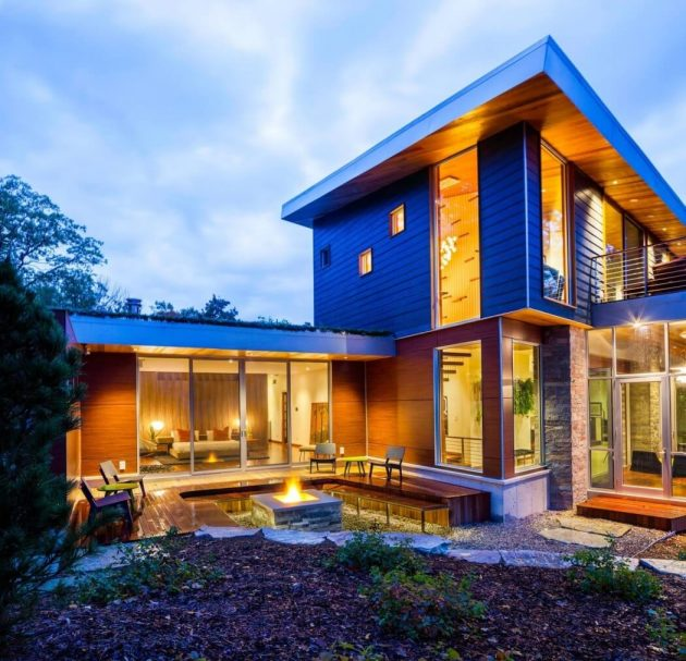 M-22 House by Michael Fitzhugh in Michigan, USA
