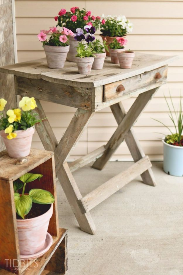 15 Outstanding DIY Ideas To Decorate Your Porch In Country Style