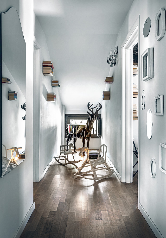 17 fantastic scandinavian hall designs that distribute for Hall showcase designs interior