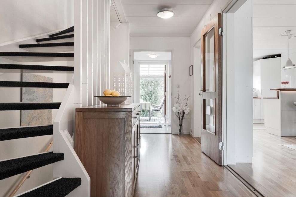 17 Fantastic Scandinavian Hall Designs That Distribute Elegance ...