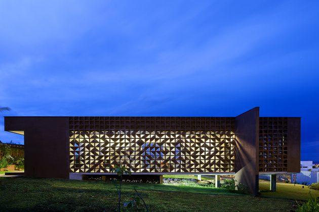 Casa Clara by 1:1 Arquitetura Design in Brasilia, Brazil