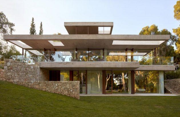 Home in the Pine Forest by Ramon Esteve Estudio in Valencia, Spain