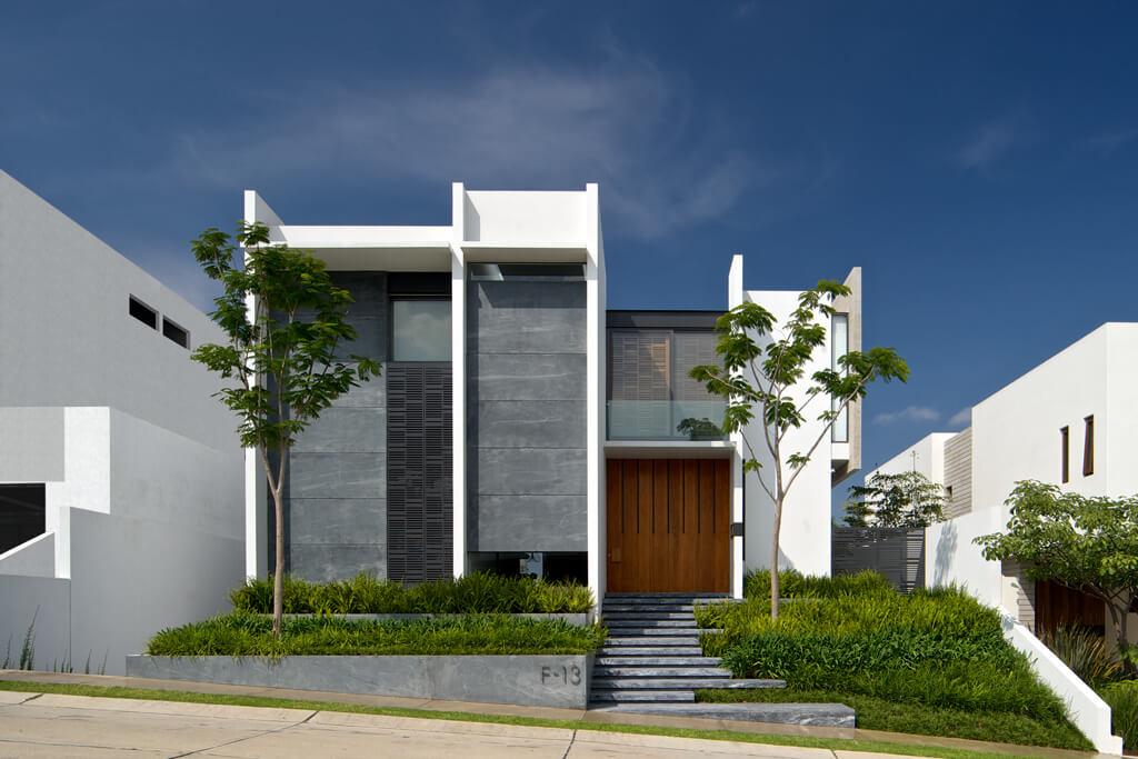 Lumaly house by agraz arquitectos in guadalajara mexico for Casa minimalista guadalajara