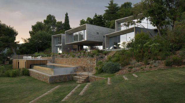 Maison Le Cap by Pascal Grasso Architectures in Var, France