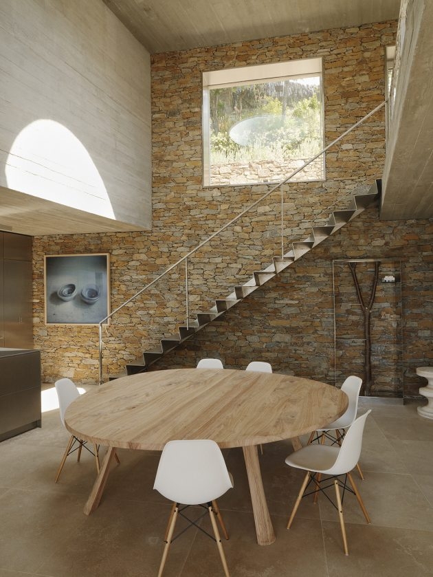 Maison Le Cap by Pascal Grasso Architectures in Var, France