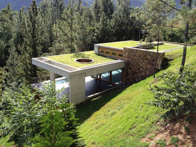 RD House by VASHO Blends Into The Hills Of The Dominican Republic