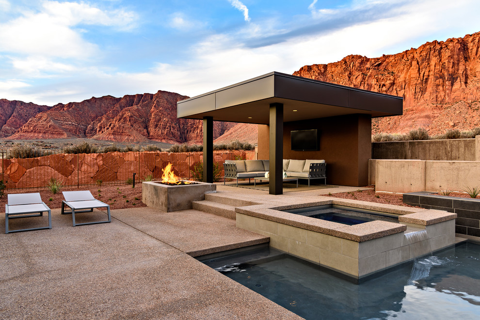 Pool And Jacuzzi Deck Ideas