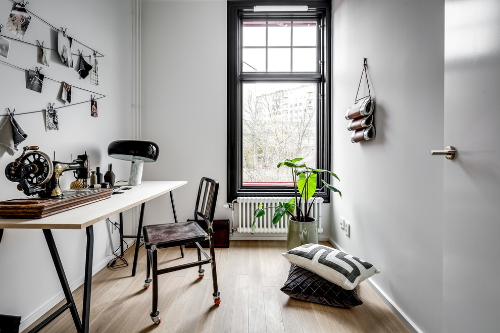 16 Inspirational Industrial Home Office Designs That Will Let You Work In Comfort