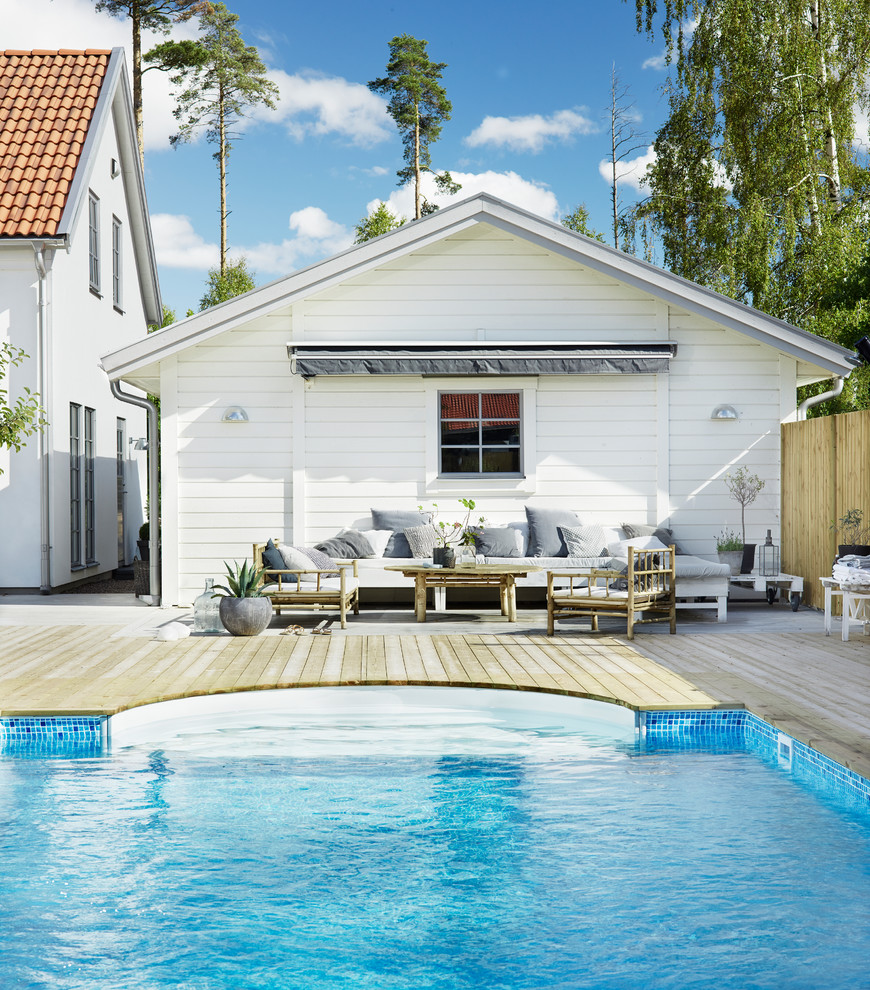 17 Simple Yet Beautiful Scandinavian Deck Designs For Your ... on Simple Back Deck Ideas id=24811