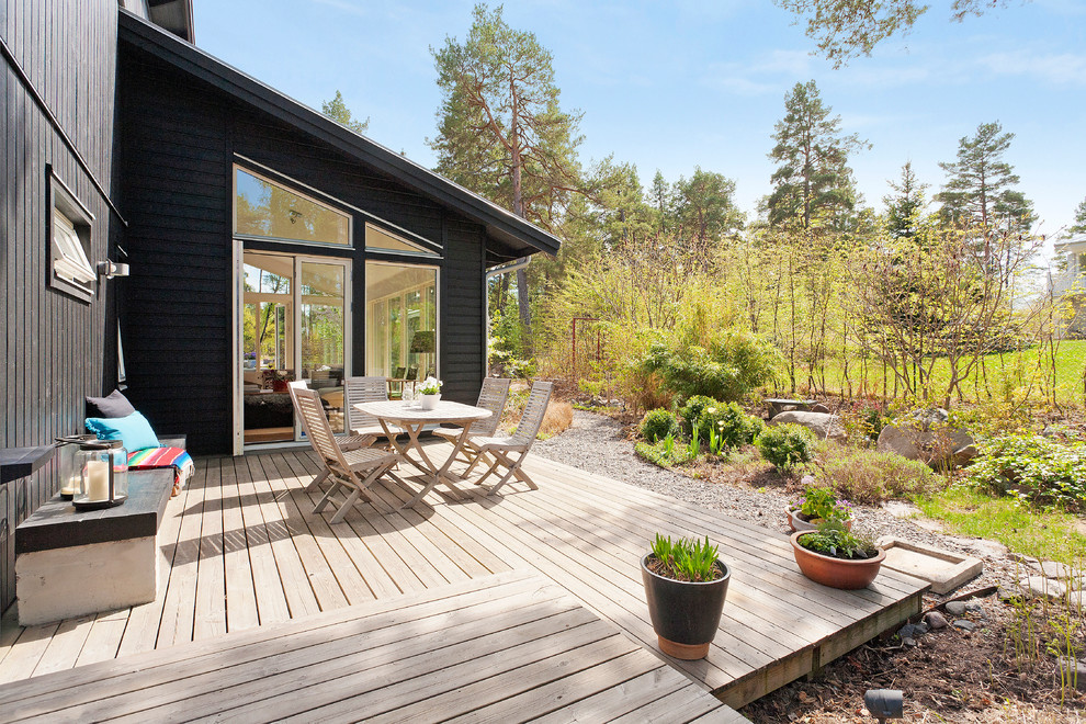 17 Simple Yet Beautiful Scandinavian Deck Designs For Your ... on Simple Back Deck Ideas id=89174