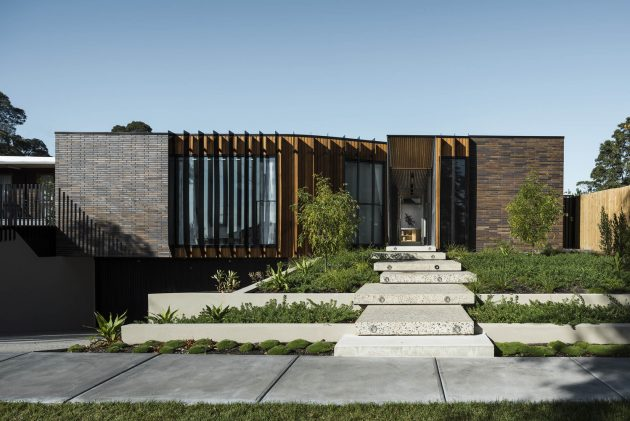 Courtyard House by FIGR Architecture & Design in Templestowe, Australia