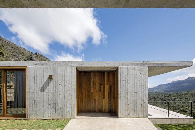 Do Bomba House by SOTERO Arquitetos in Palmeiras, Brazil