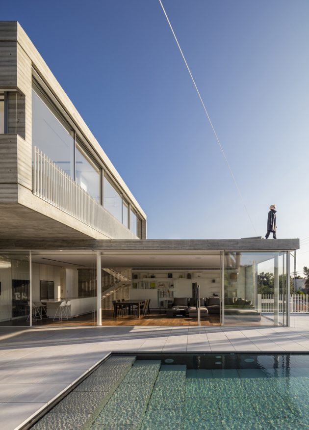 Dual House by Axelrod Architects + Pitsou Kedem Architects in Israel