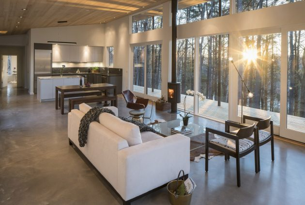 Lantern Ridge House by Studio MM in Kerhonkson, New York