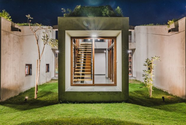 Outhouse by MISA Architects in Vansajada, India