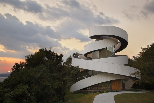 Ribbon Chapel by Hiroshi Nakamura & NAP Architects in Hiroshima, Japan
