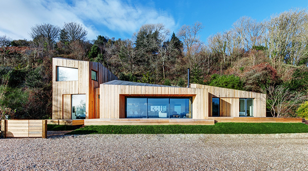 The Crow's Nest by AR Design Studio on England's South Coast