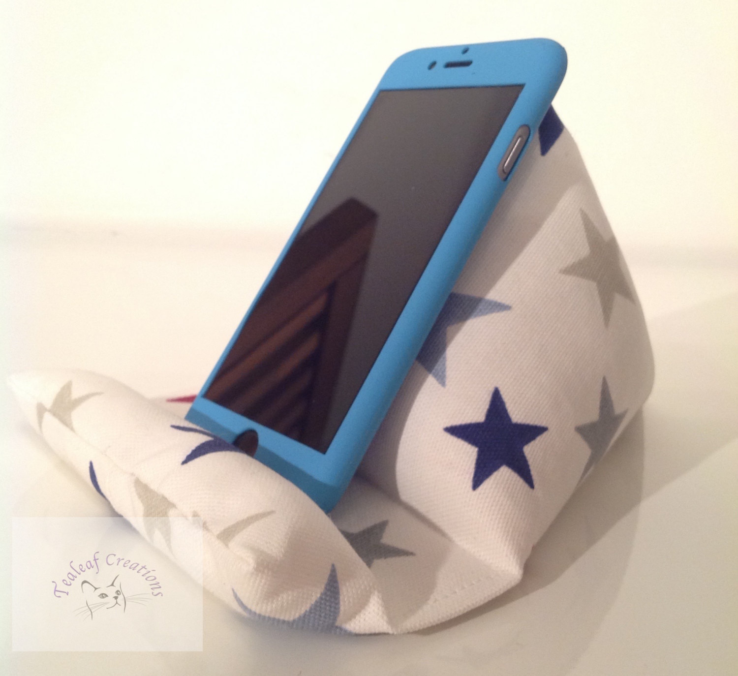 Why You Need A Tablet Stand In Your Kitchen 12 Handmade Designs