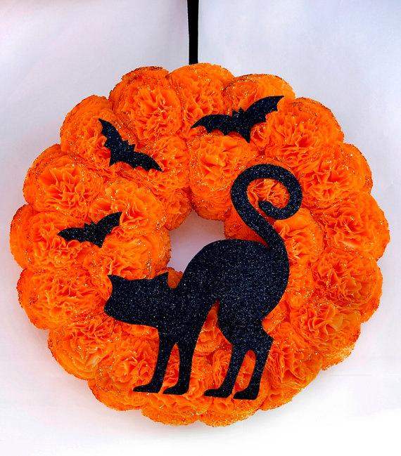 16 Ghostly Handmade Halloween Wreath Ideas For Spooky Home Decor
