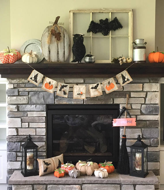 17 Spooky Halloween Banners You Should Hang In Your Home
