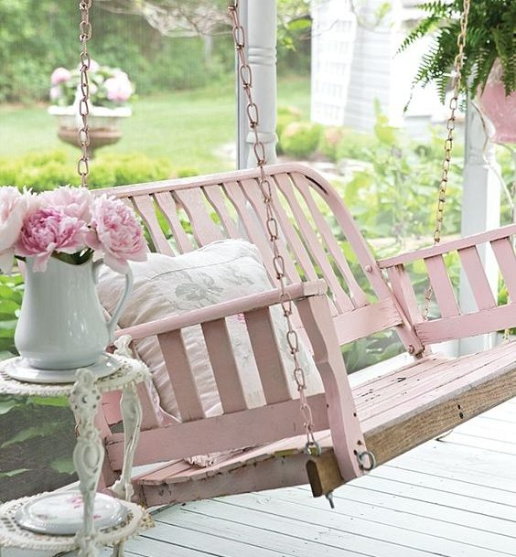 15 Captivating Ideas For Decorating Your Outdoors In Shabby Chic Style