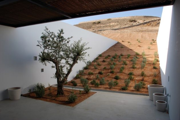 Aloni House by decaARCHITECTURE on The Antiparos Island in Greece