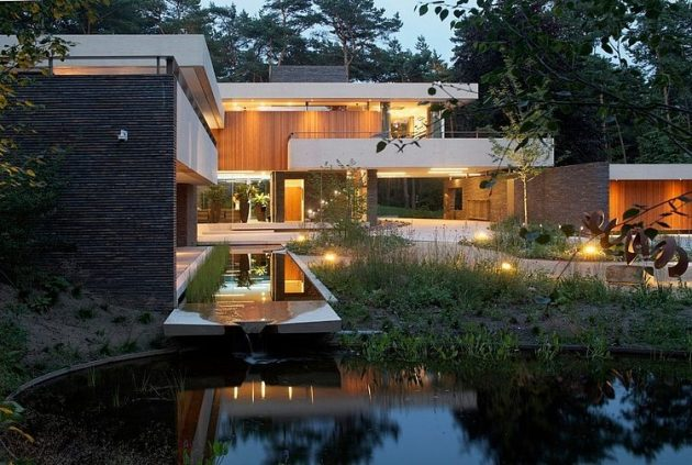 Dune Villa by Hilberink Bosch Architecten in Utrecht, The Netherlands