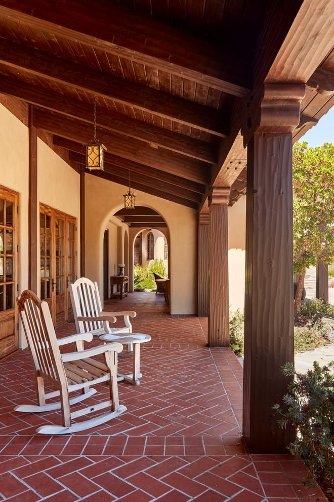 15 beautiful mediterranean porch designs that will drag for Beautiful veranda designs