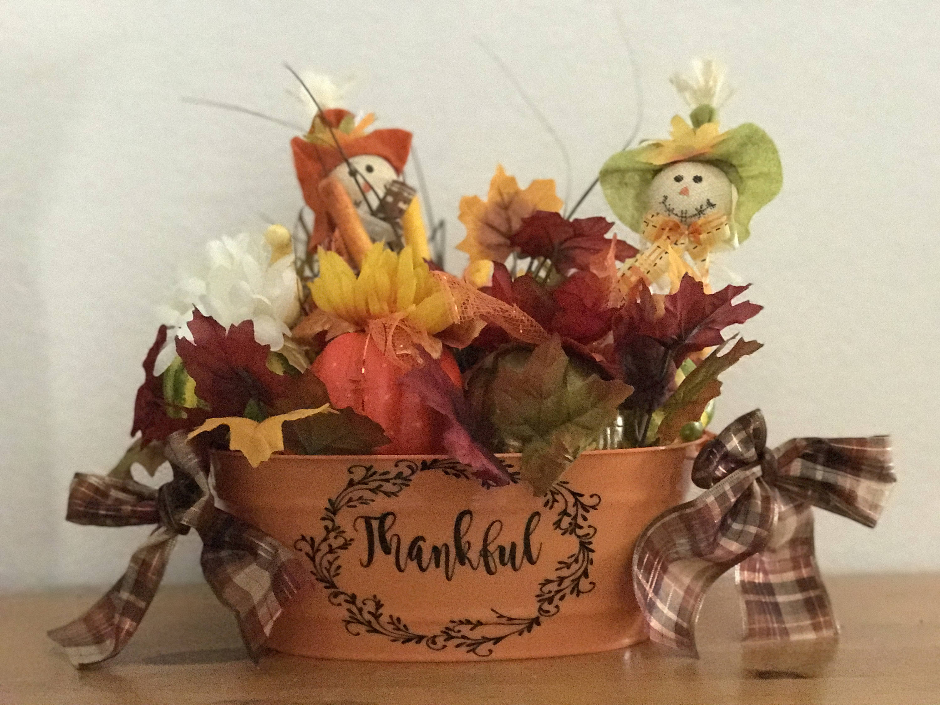 16 Charming Thanksgiving Centerpiece Designs Youll Want To Display On Your Table