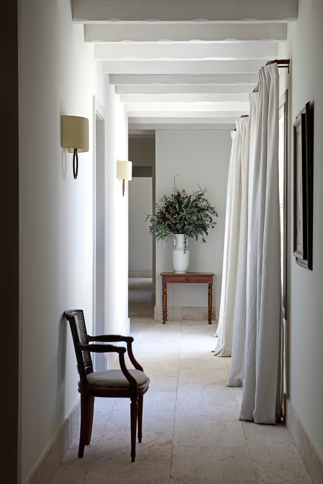 20 Graceful Mediterranean Hallway Designs That Will Overwhelm You With Elegance