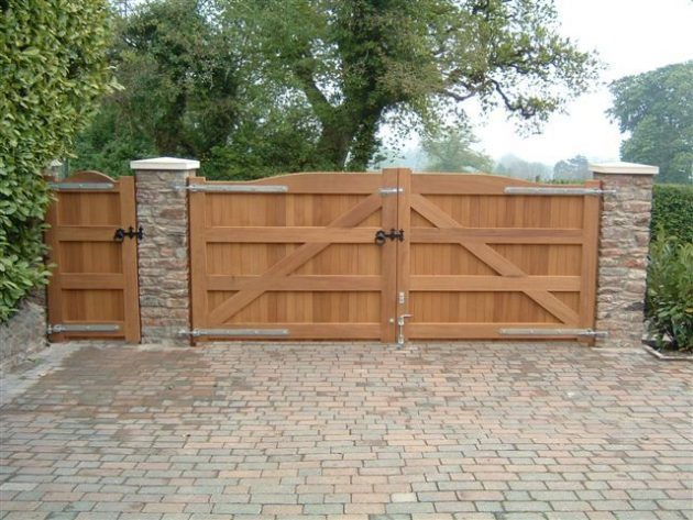 Home Design Gate Ideas: 17 Irresistible Wooden Gate Designs To Adorn Your Exterior