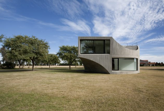 View House by Johnston MarkLee in Rosario, Argentina
