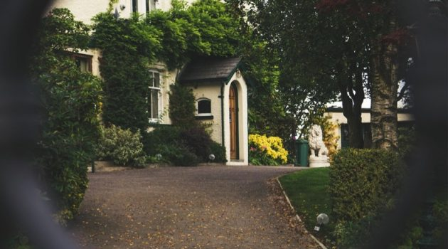 Designing the Perfect Driveway: What Material Should You Use?