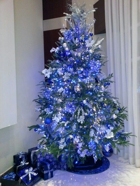 17 Really Fascinating Ways To Decorate Your Christmas Tree