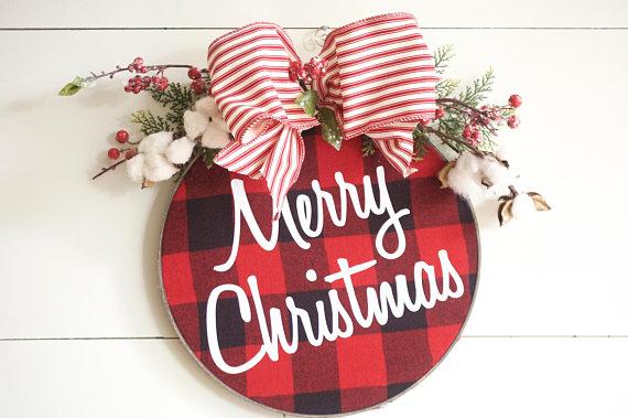 15 Alluring Handmade Christmas Wreath Designs That Will Look Great On Your Front Door