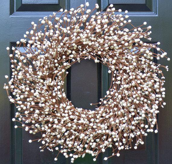 15 Fantastic Handmade Winter Wreath Designs For Your Front Door